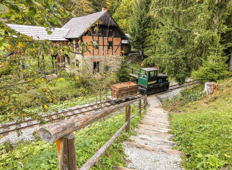 Vychylovka – Skanzen a lesná úvraťová železnica