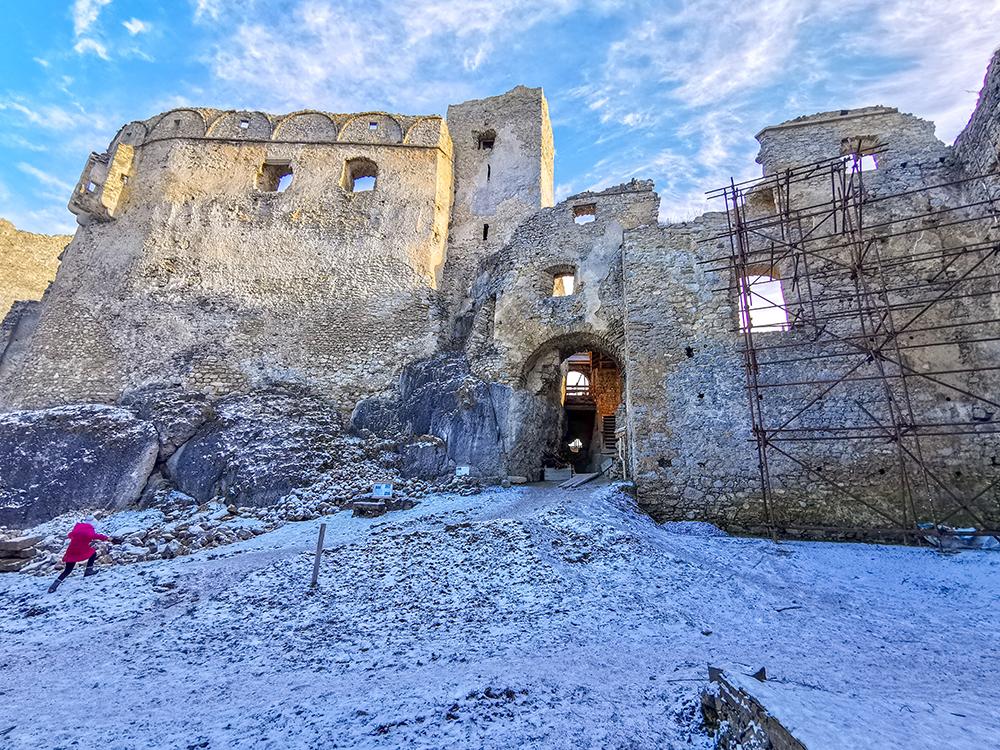 Hrad Lietava je aktuálne v rekonštrukcii