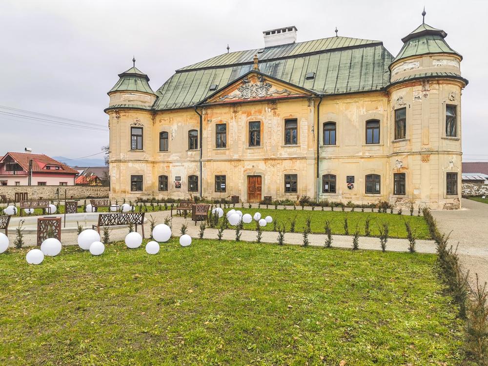 Soósovsko-Géczyovský kaštieľ v Hronseku