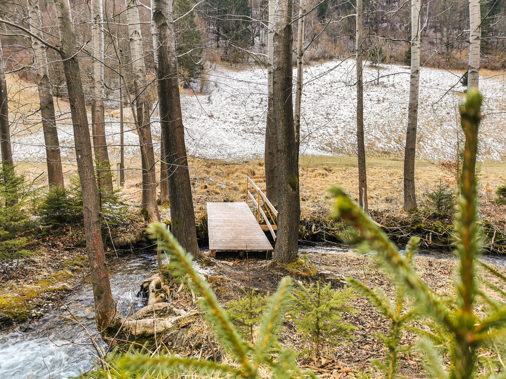 A od gejzíru v Rajeckej Lesnej môžete pokračovať ďalej dolinou