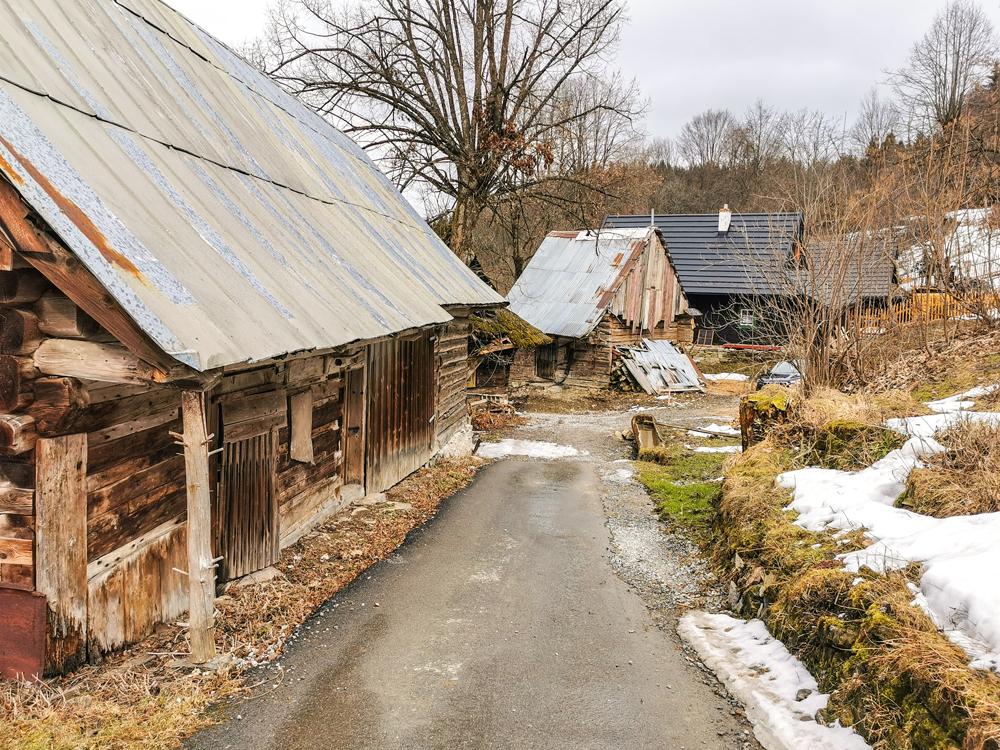 Náučný chodník Jánošíkovým chotárom - Jánošíkovci