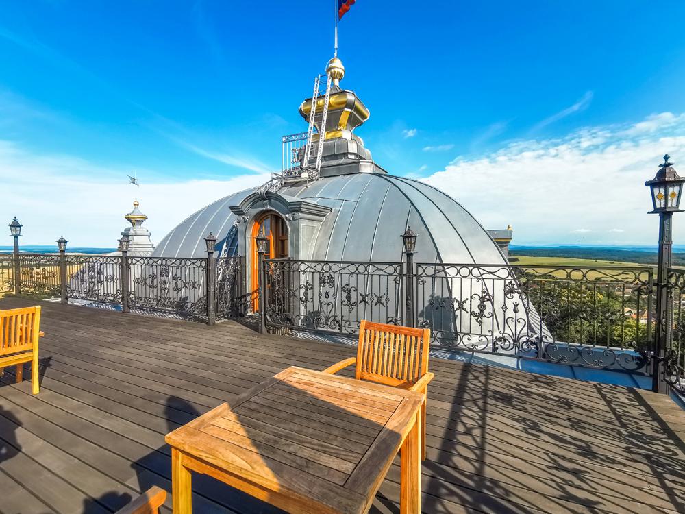 Haličský zámok - Zámocký hotel Galicia Nueva - reštaurácia na streche