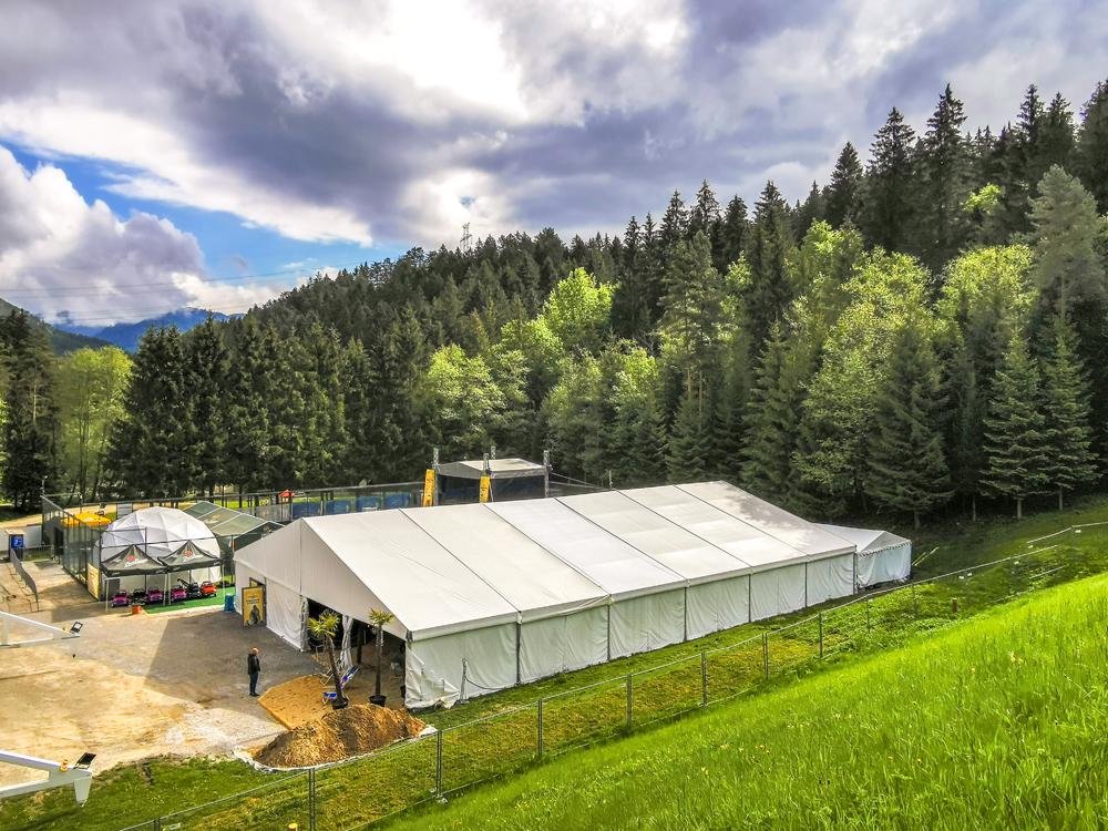 Hlavnou atrakciou Kráľovstva Hrabovo je výstavný stan s rozlohou 600m2