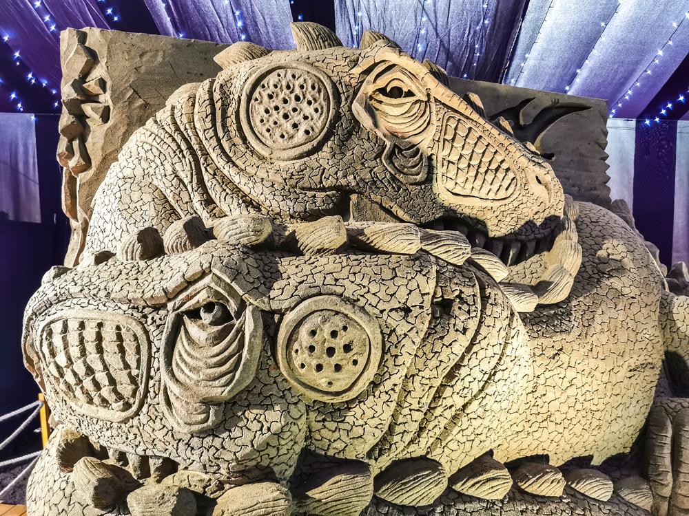 Kráľovstvo Hrabovo - Nájdete tu desiatky ručne vyrezávaných pieskových sôch