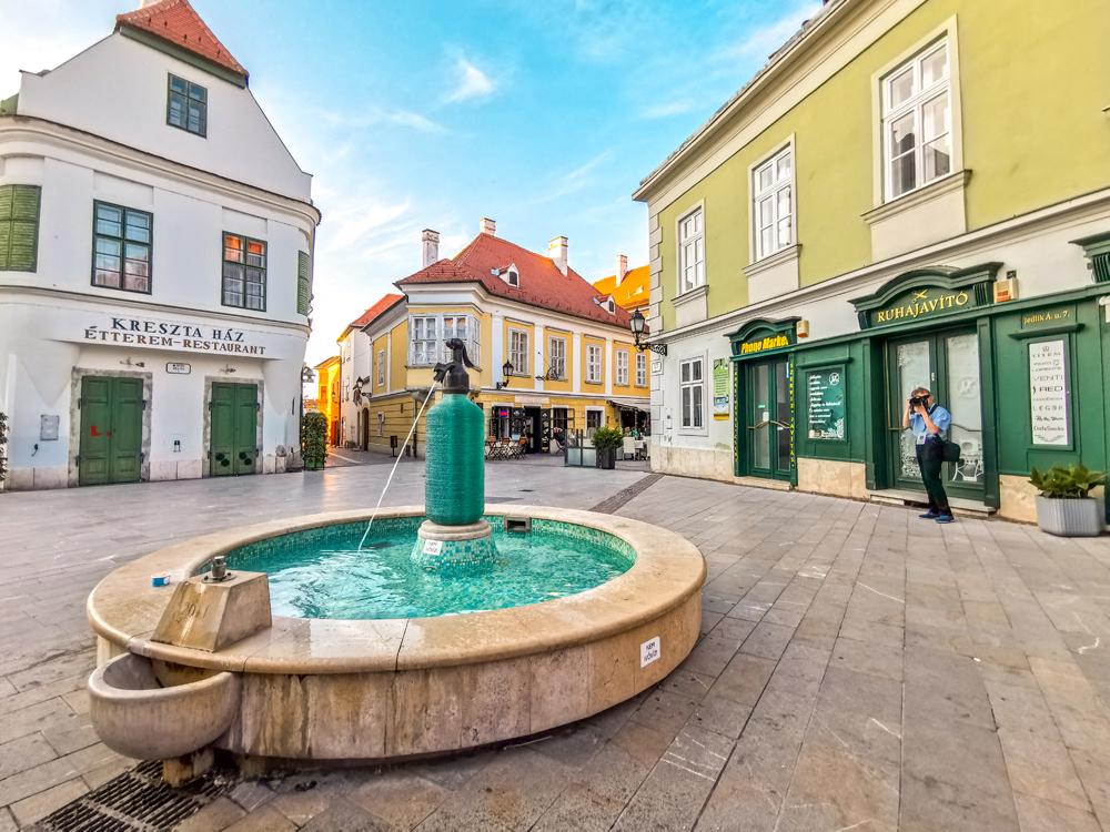 Zaujímavá fontána v meste Győr