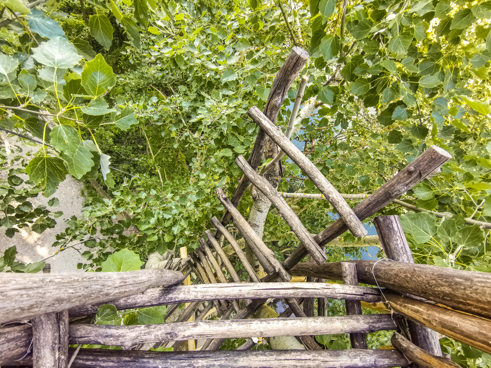 Prírodná rozhľadňa s výhľadom na Dunaj pri obci Hamuliakovo a Kalinkovo - Výstup do koruny stromov je na vlastnú zodpovednosť