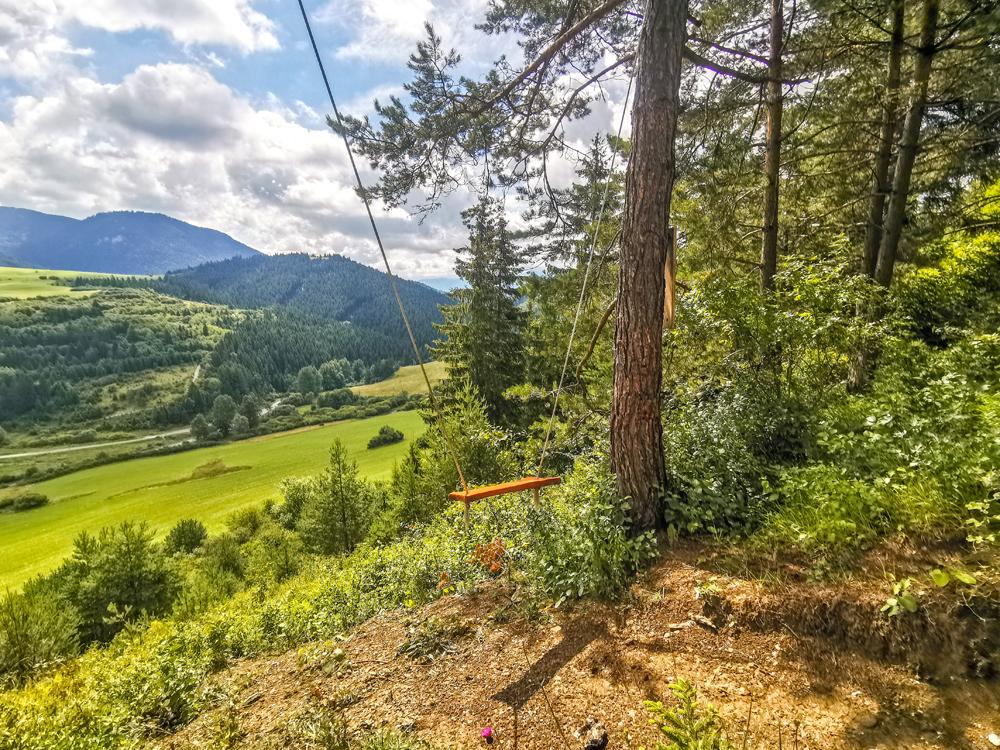Valaská Dubová - Hojdačka s výhľadom na Chočské vrchy