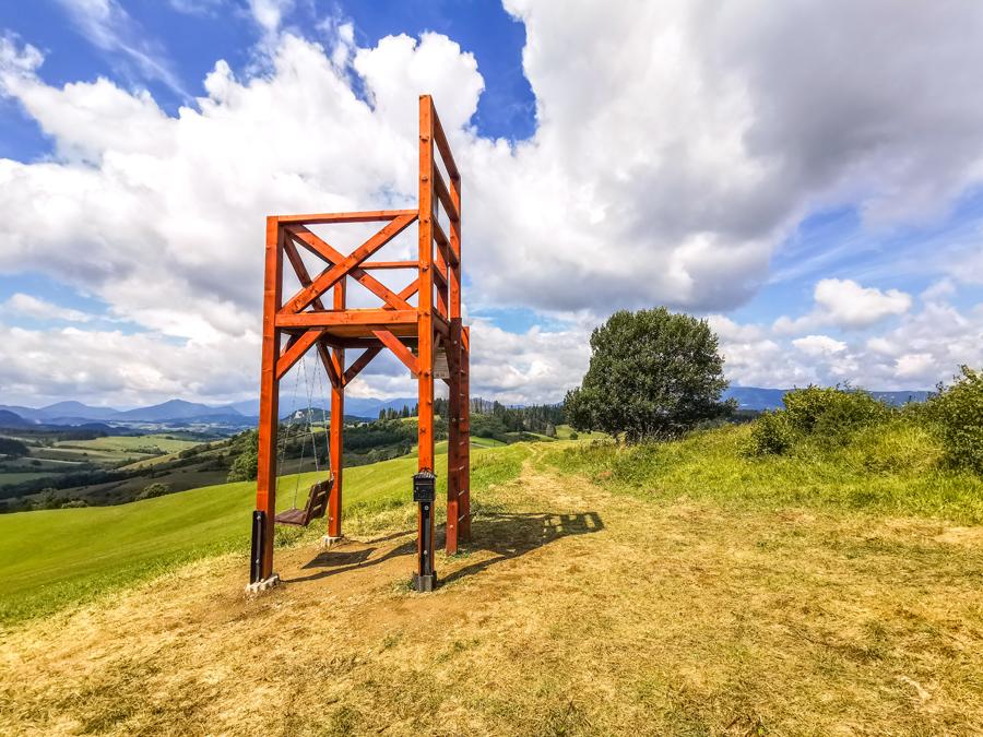 Rozhľadňa a hojdačka Bačov stolec