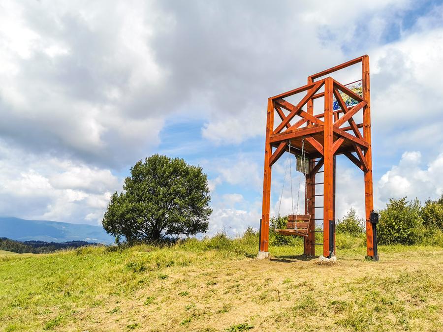 Bačov stolec nad obcou Osádka