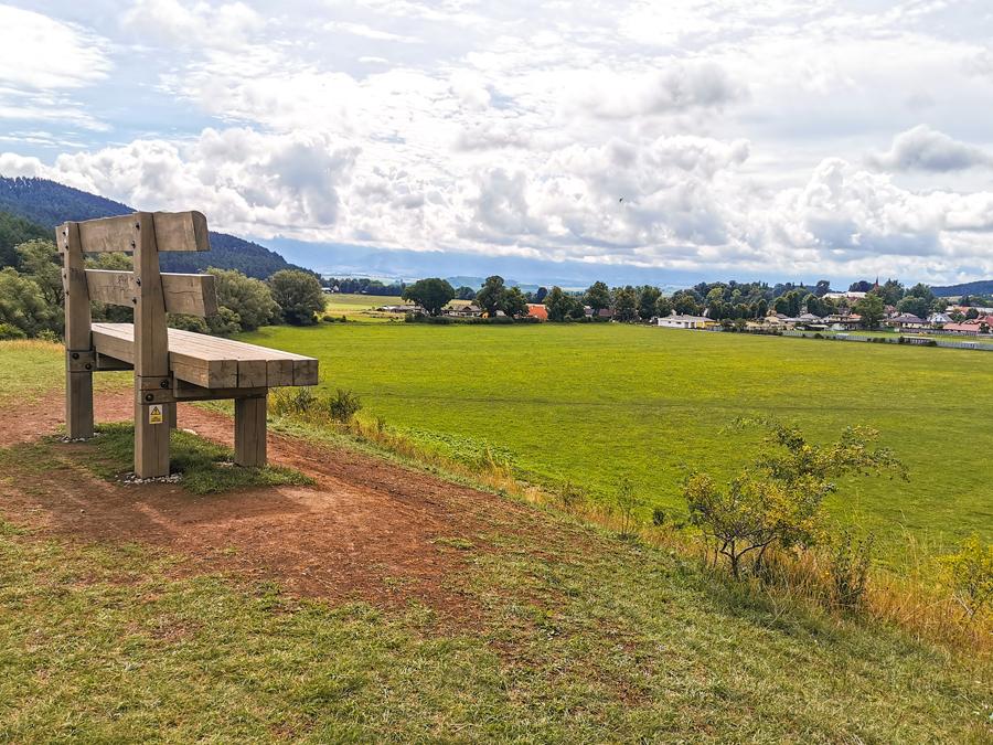 Kláštor pod Znievom - Na lavičku sa treba vyštverať
