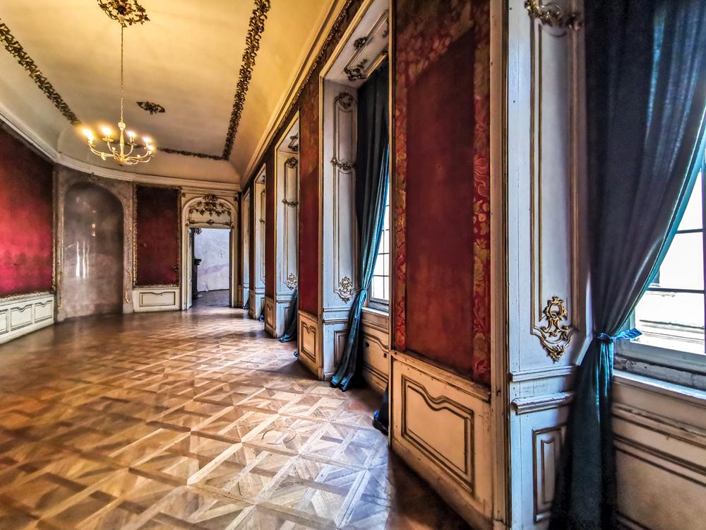 Colloredo-Mansfeldský palác