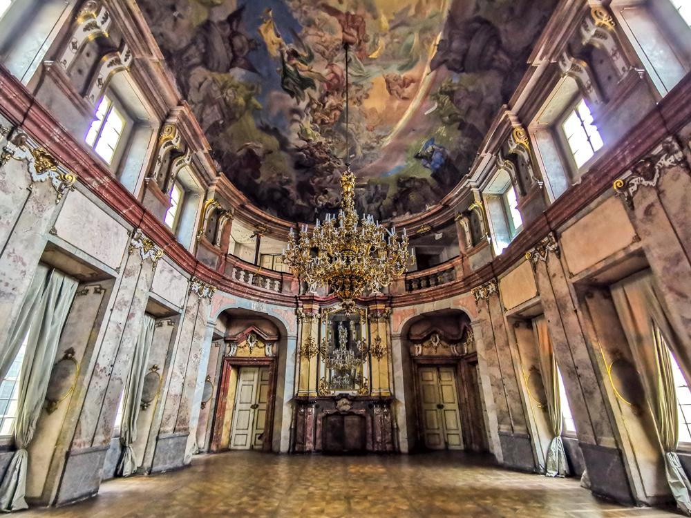 Colloredo-Mansfeldský palác v Prahe